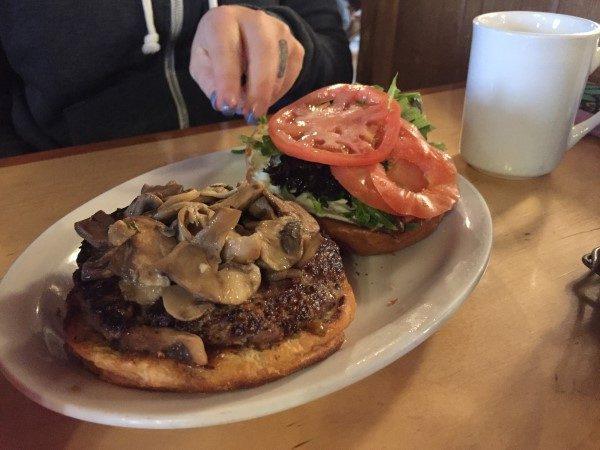 chuckwagon-cafe-burger-custom