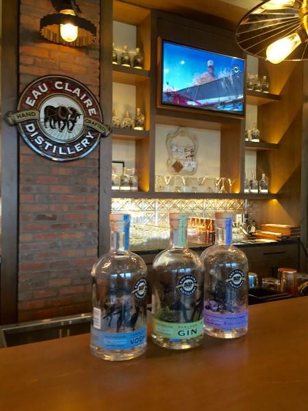 eau-claire-distillery-gin-custom